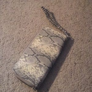 Handbags - 💸 Snake Pattern Clutch